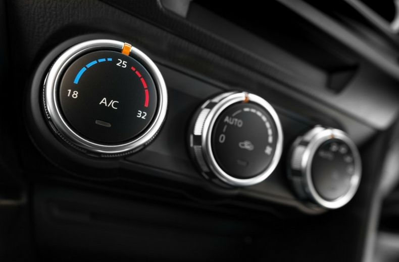 Car air conditioning temperature controls